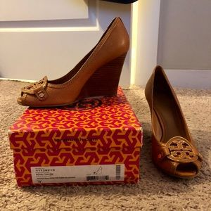Tory Burch Open Toe Wedges (Size 9)
